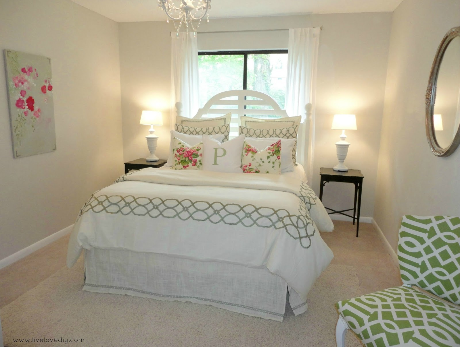 Small Guest Bedroom Ideas - Queen Size Bedding